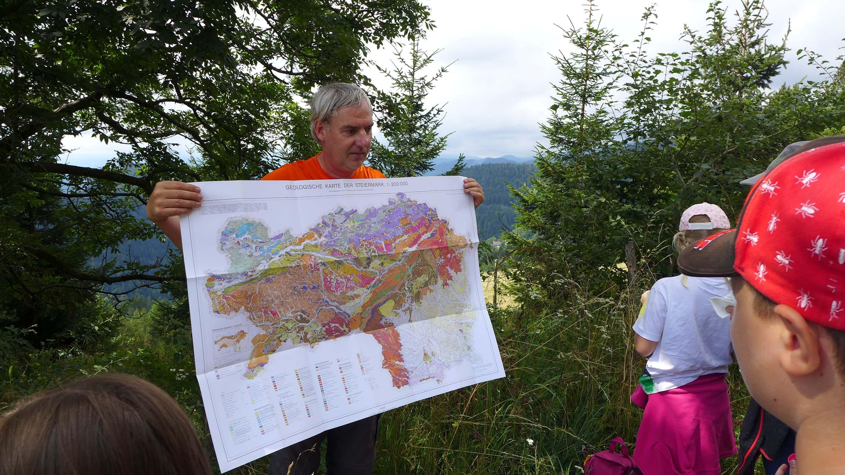 Die geologische Karte der Steiermark - wie ein bunter Fleckerlteppich!