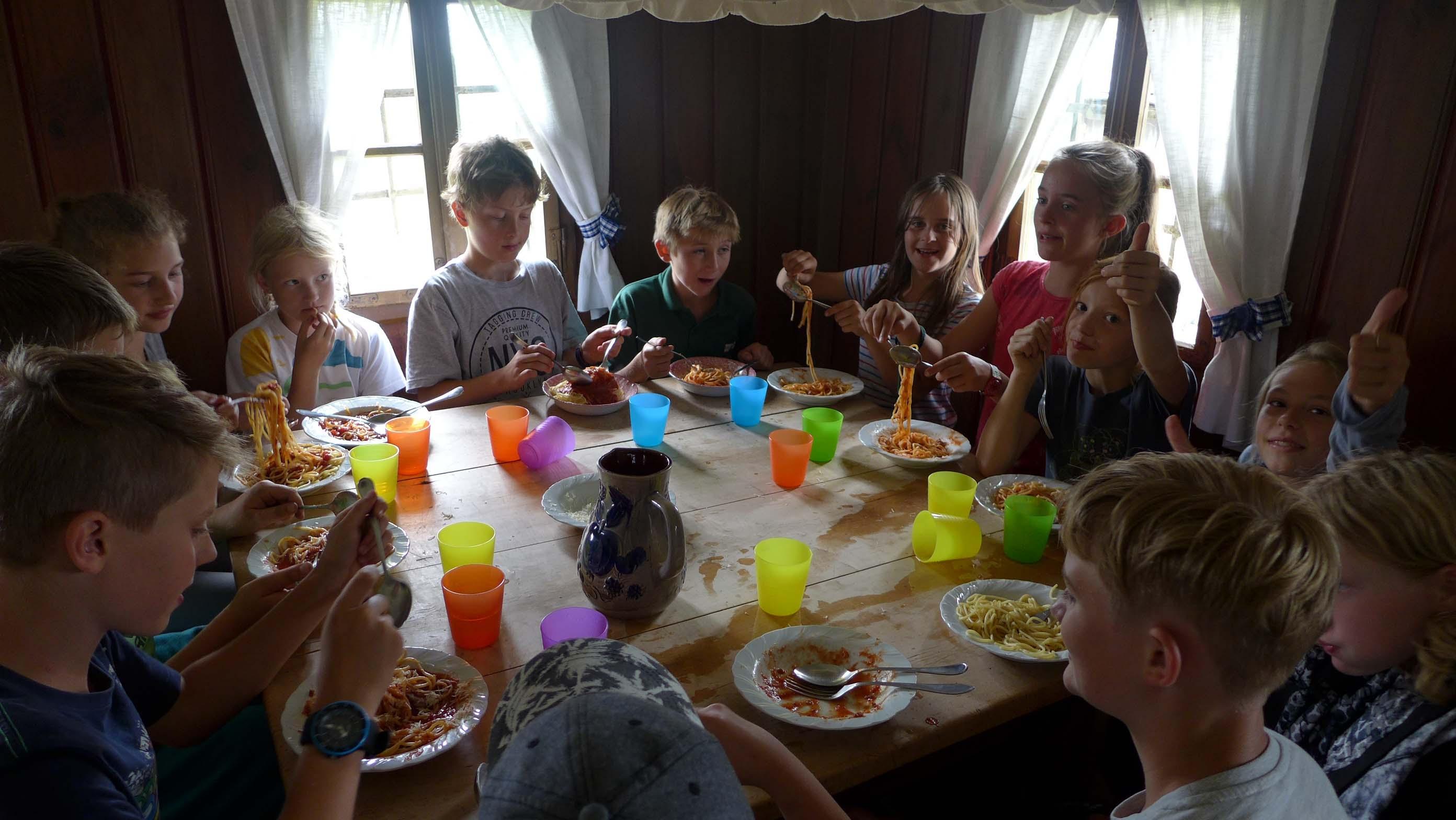 Im alten Bauernhaus schmeckten die selbst gekochten Spaghetti ausgezeichnet!
